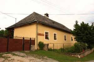 Vidiecka kúria grófov Andrássyovcov v Hrušove